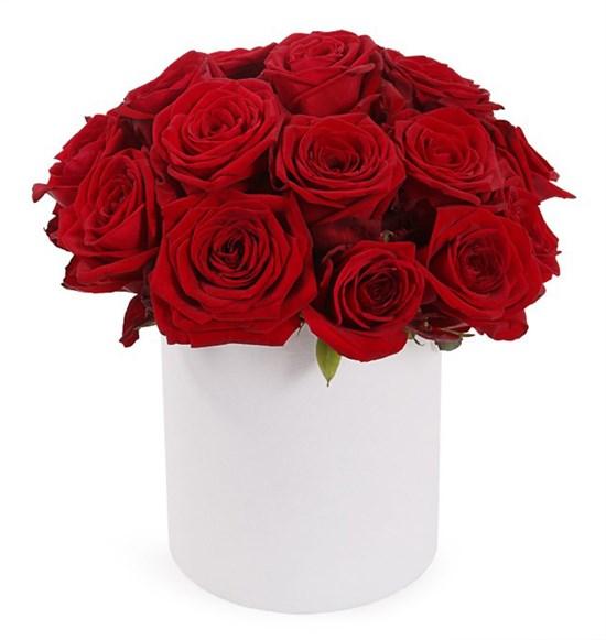 19 красных роз в шляпной коробке - фото 7757
