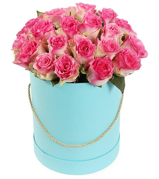 25 роз Малибу в шляпной коробке - фото 7991