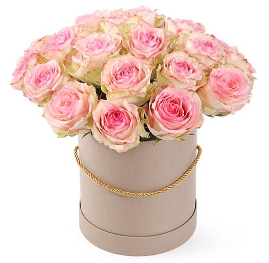 25 роз Эсперанс в шляпной коробке - фото 8000