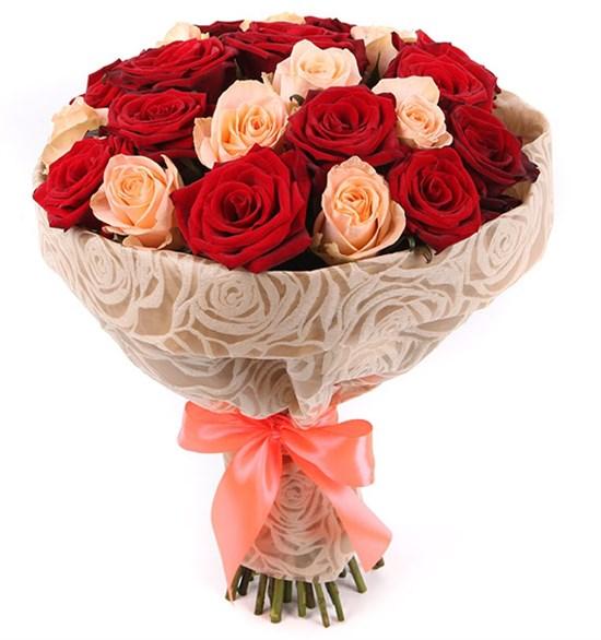 Букет 25 роз, красно-кремовый микс - фото 8002