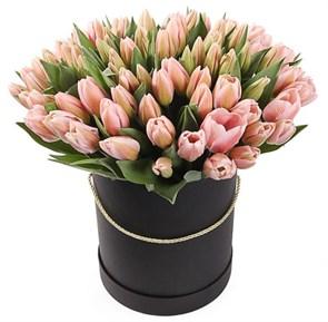 101 королевский тюльпан в черной коробке, жемчужные