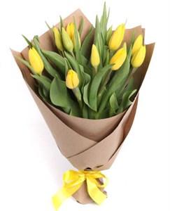 Букет 15 тюльпанов в крафтовой бумаге, желтые