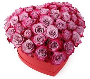 Композиция Оттенки любви в коробке-сердце