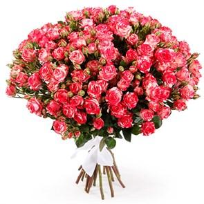 Букет 15 кустовых роз Фаер воркс