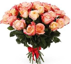 Букет 35 роз Кабаре