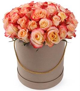 35 роз Кабаре в шляпной коробке