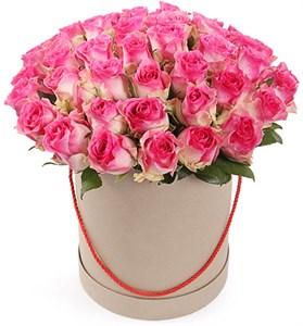 51 роза Малибу в шляпной коробке