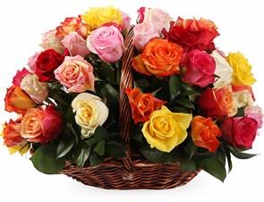 Фламандская легенда (51 роза) в корзине